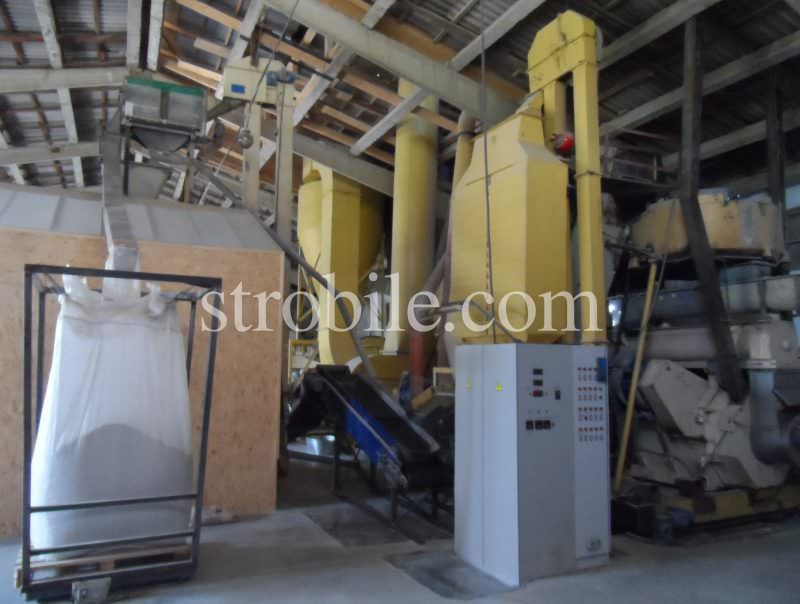 Modern pellet production line with German granulator Münch, Italian pellet matrices, several additional sifters for the ready product and separate closed room for Italian packaging equipment