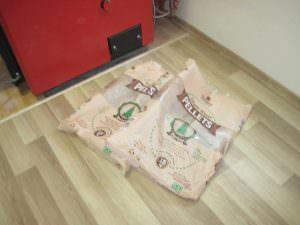 Фото 12. Використані пакети пелету Virgin Wood від Strobile